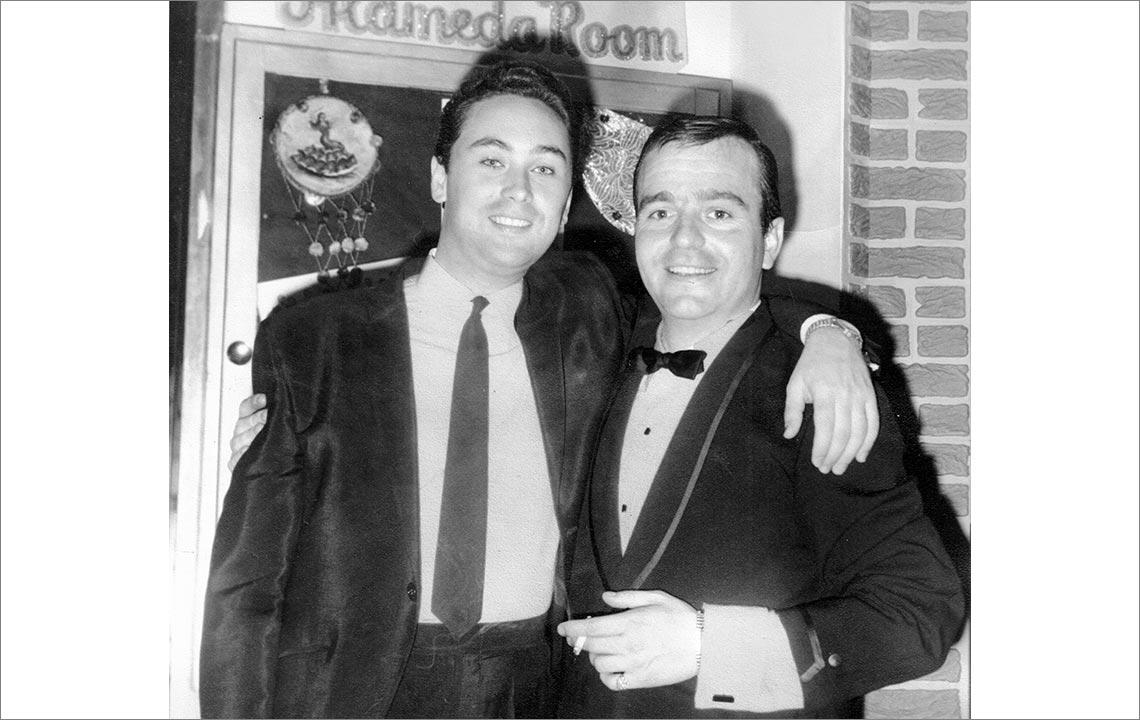 3 - Angel de No y Fernando en el club la Alameda room en New York