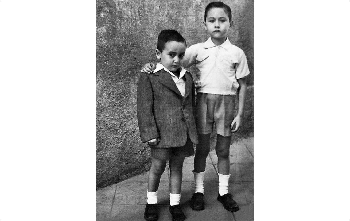 11 - Mi hermano Carlos y Angel