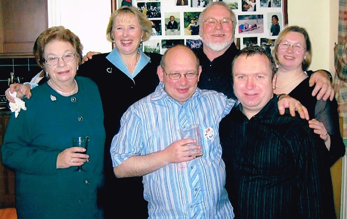 """Mi suegra """"Jean Thomas"""", Ericka Thomas de No, Mi suegro """"Eric Thomas"""", mi cuñada Karen Kee, mi cuñado Steve Thomas y mi cuñado Grant Thomas"""
