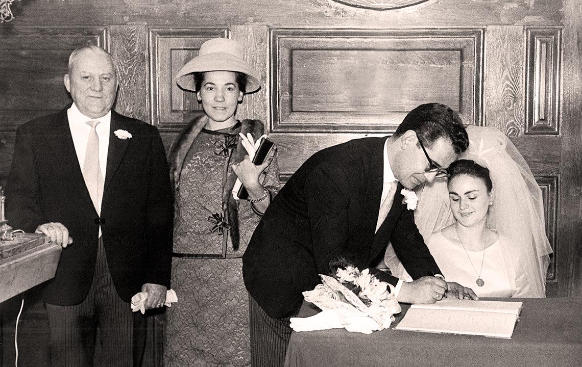 Firmando el matrimonio